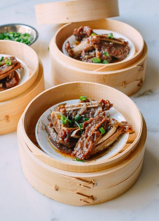 The ultimate guide to the best bamboo steamers recipes and cooking photo and recipe by the woks of life forumfinder Gallery