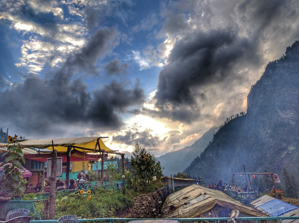 Evening at Kheerganga