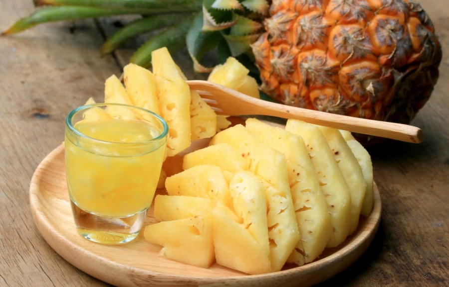 pineapple juice and bromelain