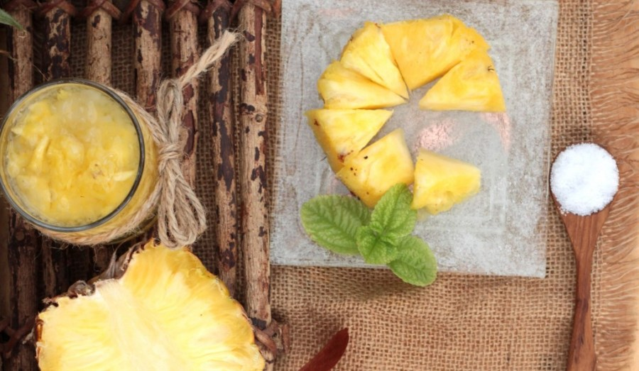 salt makes pineapples sweeter - fruit juice and fresh pineapple juicy