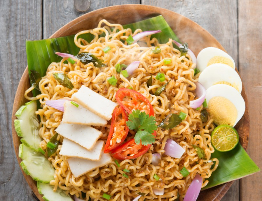 An example of an Indonesian and Malaysian instant noodles recipe
