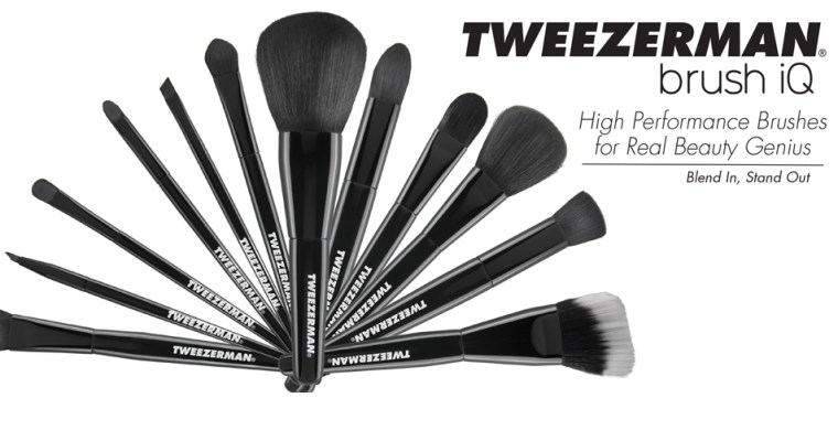 Day 7 – Tweezerman Brush IQ Set | 12 Days of Christmas Giveaway!
