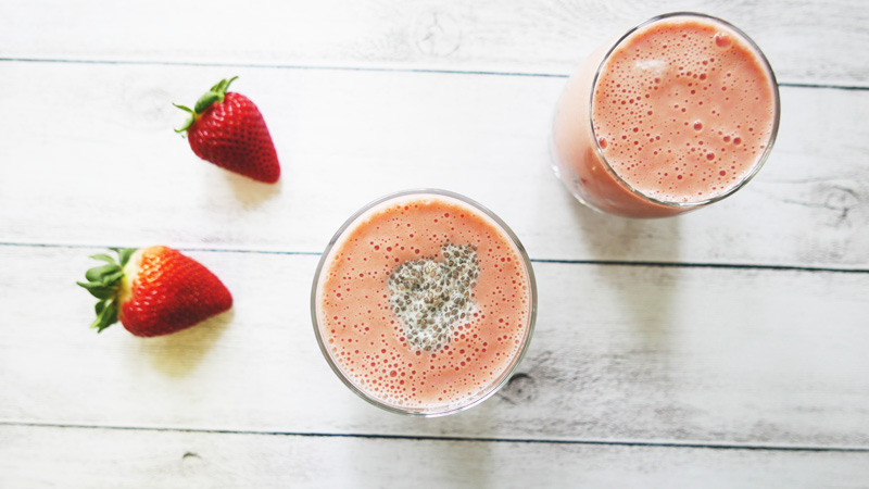 Strawberry Smoothie Recipe Chia Seed Pudding with almond milk Instanomss Nomss Food Photography Healthy Travel Lifestyle Canada