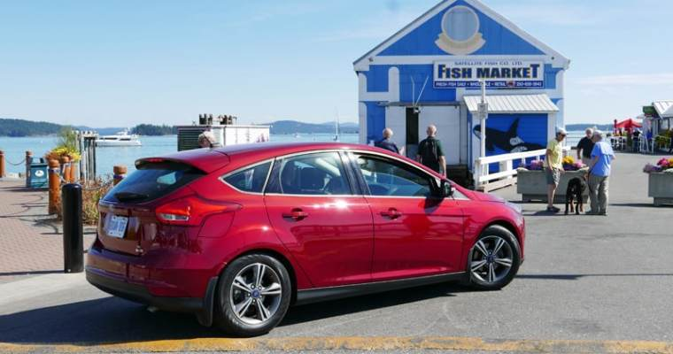 2016 Ford Focus 5-Door Hatchback | Staycation Road Trip