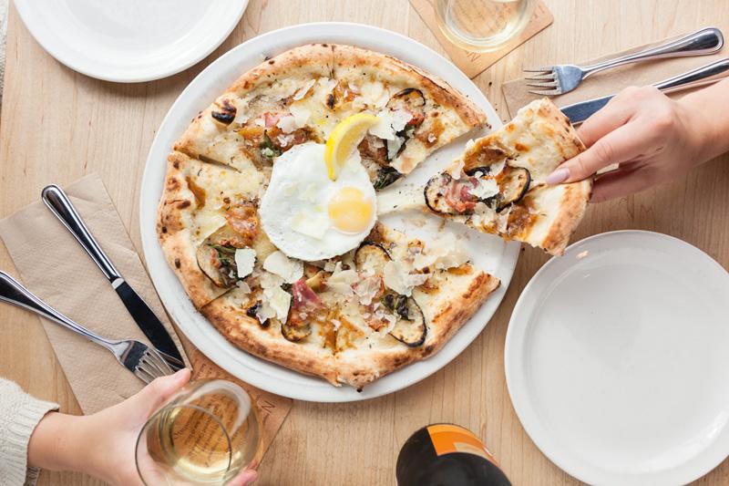 famoso-neapolitian-pizzeria
