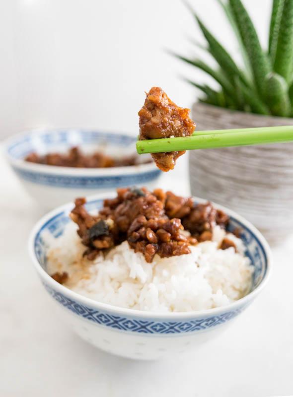 """VEGAn TAIWANESE BRAISED """"PORK BELLY"""" tempah 天貝滷肉飯"""