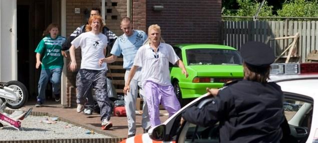 Comédia holandesa não se acanha em pressionar os limites do mau gosto - sendo bem-sucedida. (Crédito: divulgação)