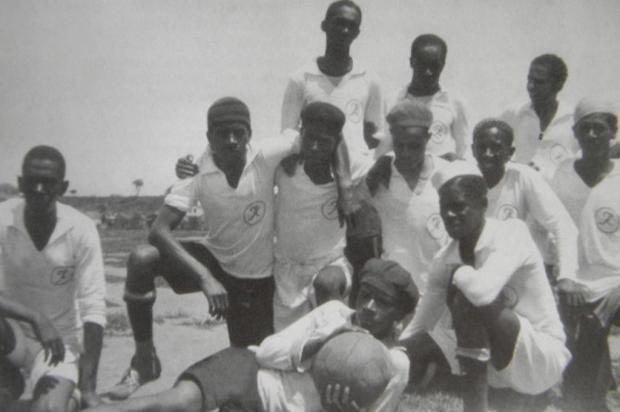 Foto do 8 de Setembro, clube da Colônia Africana, atual bairro Rio Branco (Foto: Arquivo Jayme Moreira da Silva)