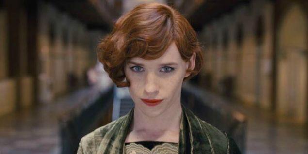 O filme conta a história de Lili Elbe, uma das primeiras transexuais a se submeter a uma cirurgia de redesignação sexual (Crédito: Universal Studios/ Divulgação)
