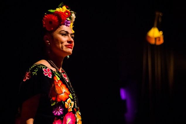 Espetáculo Frida Kahlo, à Revolução! está há anos em cartaz em Porto Alegre (Foto: Erick Peres/Nonada)