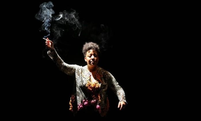 A atriz e dramaturga apresentou o monólogo Vaga Carne no Porto Alegre em Cena (Foto: Kelly Knevels)