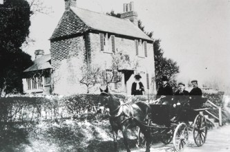 Rose Cottage in lower Holt Street. a view from the early 1900's,