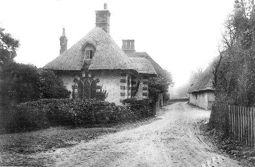 Frogham Lodge:taken from the park entrance circa 1905. Vine Cottage is the house behind the gate lodge. The entrance to Park Farm is on the right of the picture.