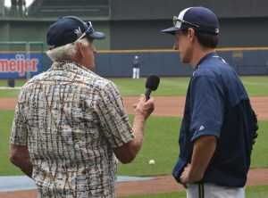 Bob Uecker interviewing Craig Counsell at Miller Park (Photo by Dirk Lammers)