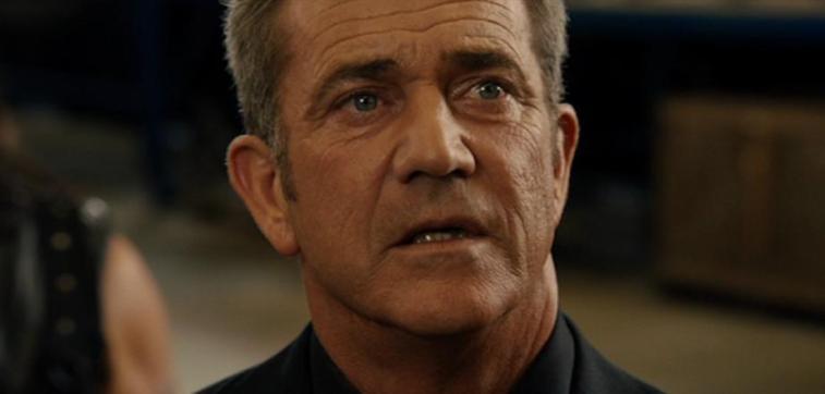 Una scena di Machete Kills che ha come protagonista Mel Gibson - Frasi sul sesso degli attori e dei registi