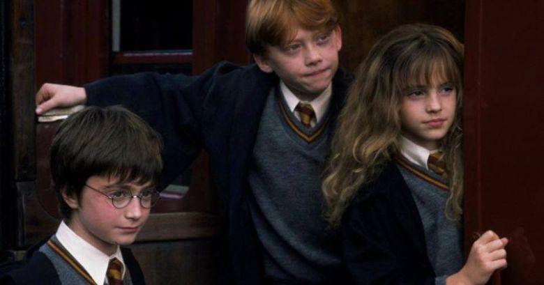 Harry Potter e la pietra filosofale citazioni e dialoghi di Chris Columbus con Daniel Radcliffe, Rupert Grint, Emma Watson, maghi