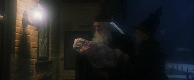 Harry Potter e la pietra filosofale frasi, citazioni e dialoghi di Chris Columbus con Daniel Radcliffe, Rupert Grint, Emma Watson, neonato