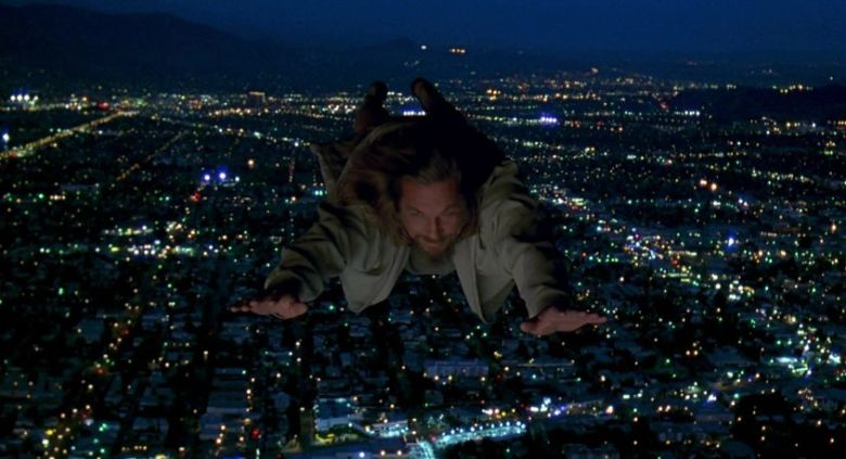 Il grande Lebowski frasi, citazioni e dialoghi di Joel Coen con Jeff Bridges, John Goodman, Julianne Moore, Steve Buscemi, Drugo vola