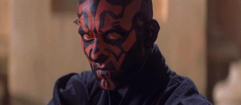 Star Wars Episodio I - La minaccia fantasma citazioni e dialoghi di George Lucas con Liam Neeson, Ewan McGregor, Natalie Portman, Jake Lloyd, sguardo Darth Maul