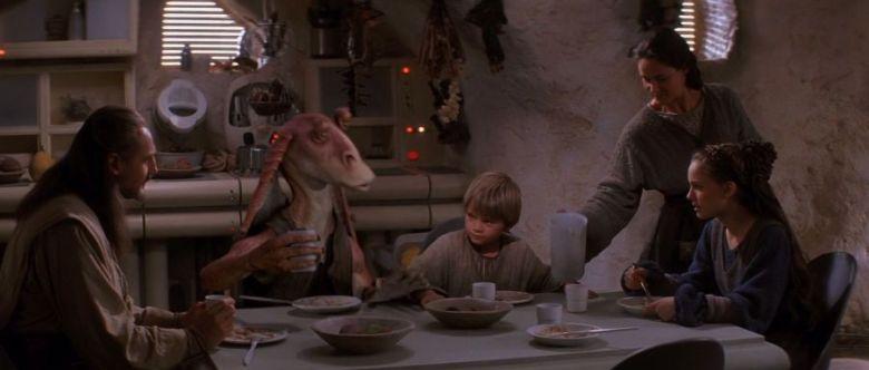 Star Wars Episodio I - La minaccia fantasma citazioni e dialoghi di George Lucas con Liam Neeson, Ewan McGregor, Natalie Portman, Jake Lloyd, pranzo a tavola
