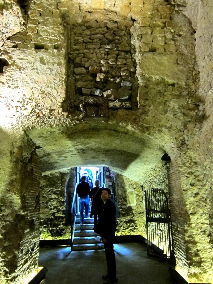 naples underground tour