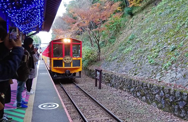 พาเที่ยวเกียวโต 1 วัน [3] ขึ้นรถไฟ SaganoRomantic Train