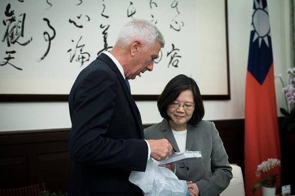 美雜誌爆5智庫一年獲台灣逾100萬美元資助 蓄意隱匿不公布