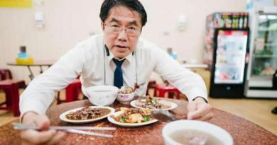 台灣今年起開放萊豬進口,坊間卻出現使用台灣豬而漲價的業者,對此,台南市長黃偉哲7日痛批,這些業者是「趁機發國難財」。(資料照,取自黃偉哲臉書)