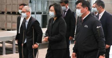 圖為日前蔡英文總統視察非洲豬瘟檢疫站及慰勉台北港工作同仁。記者葉信菉攝影/報系資料照