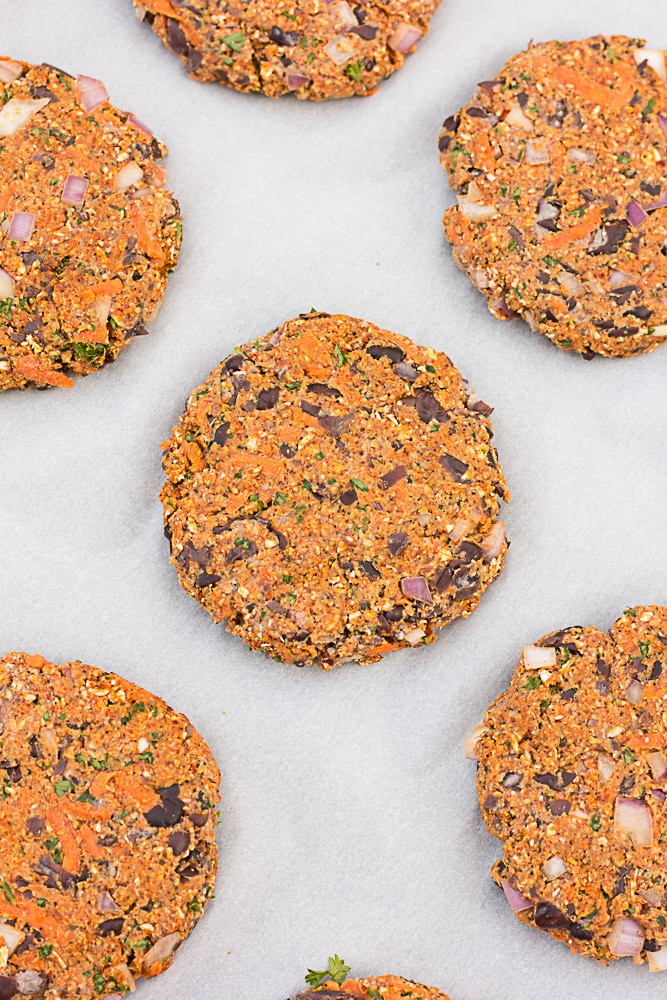 The Best Black Bean Veggie Burger: My favorite veggie burger! Vegan.