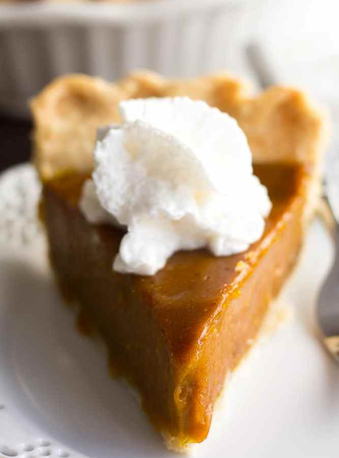 piece of vegan pumpkin pie on a plate
