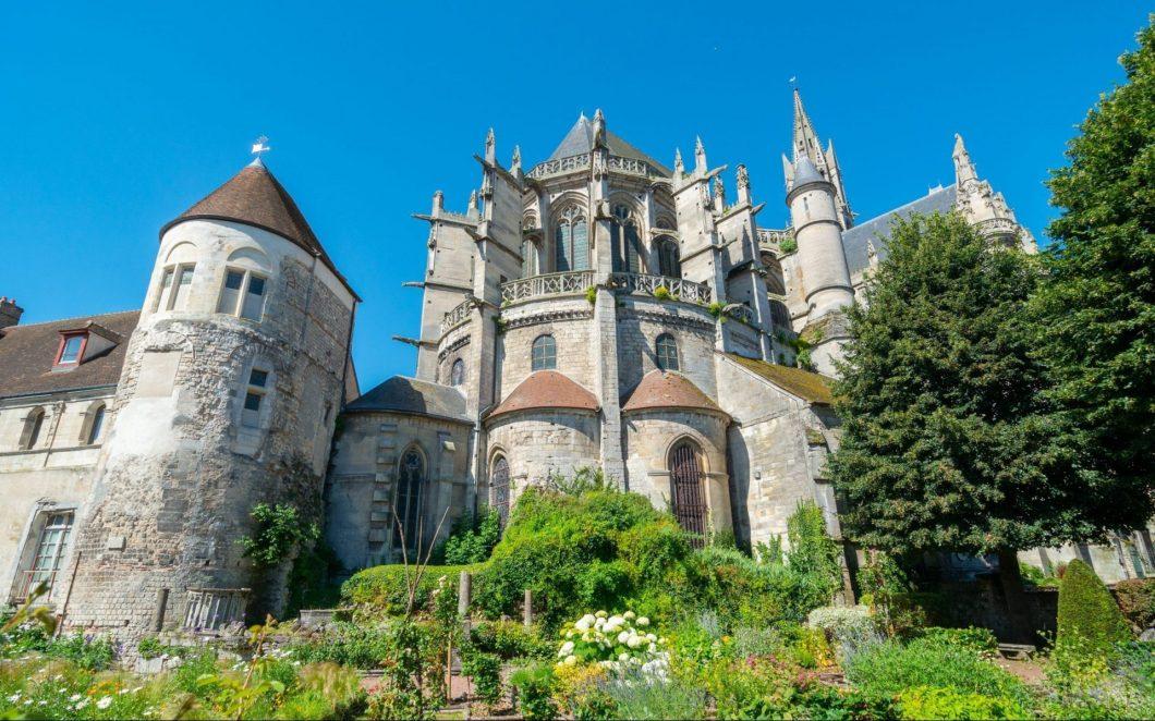Die Römerstadt Senlis und das Kloster Chaalis: 2000 Jahre Geschichte Nordfrankreichs
