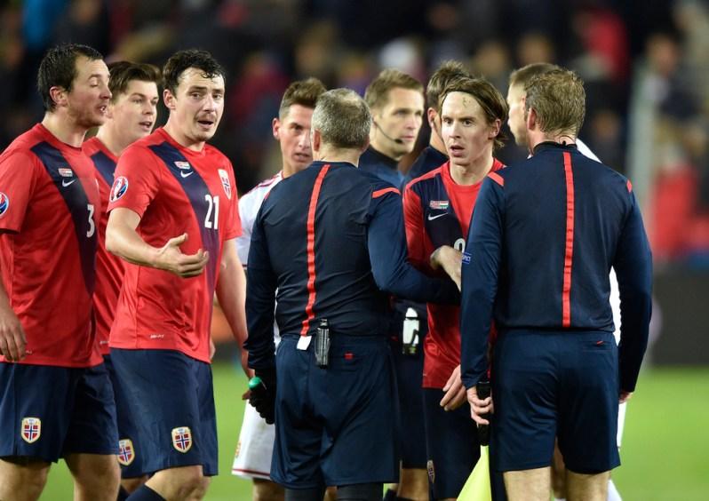 La déception des norvégiens après la défaite 1-à face à la Hongrie en barrages pour l'Euro 2016