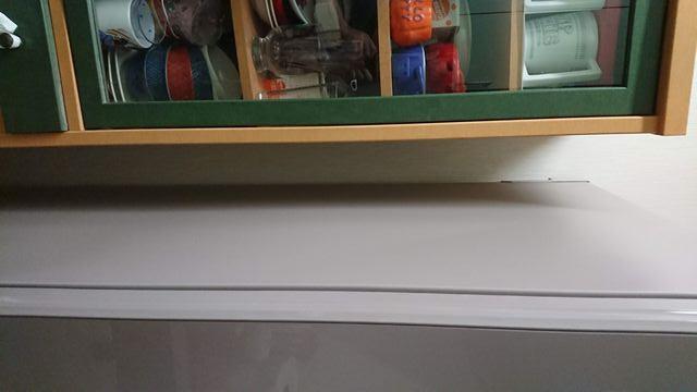 省エネ冷蔵庫を省エネに使う為に左側面を空ける