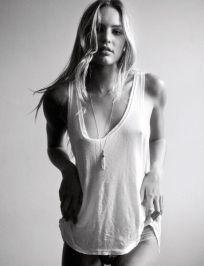 braless Candice Swanepoe