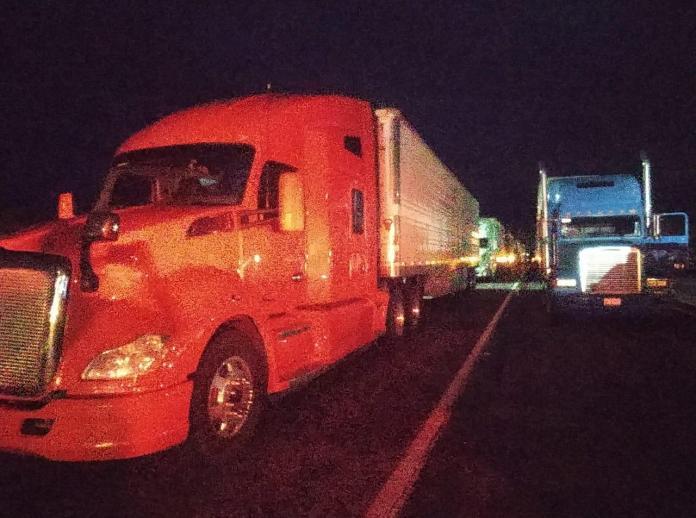 Vuelven a cerrar autopista a Culiacán; la reabrirían hasta el martes