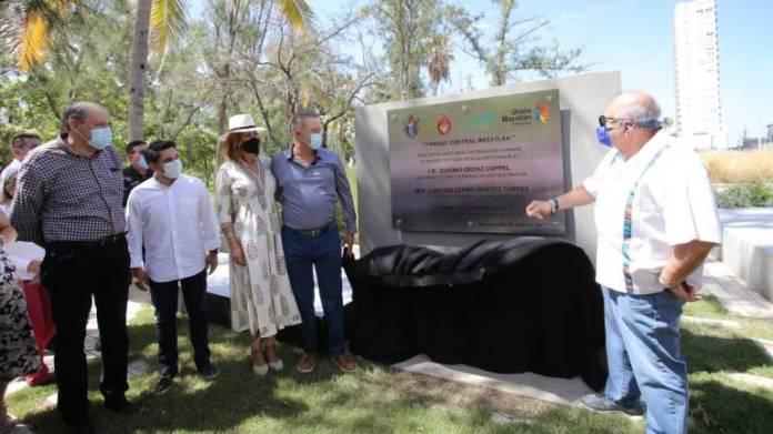 El Parque Central de Mazatlán pasa a manos del Ayuntamiento; Gobierno del  Estado hace entrega