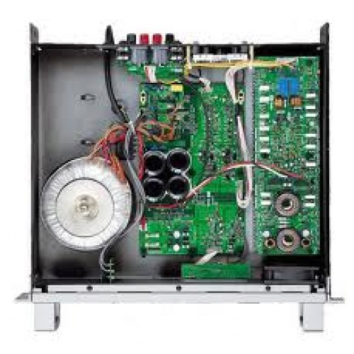 Yamaha P S Power Amplifer 310 Watts Per Channel At 4 Ohms