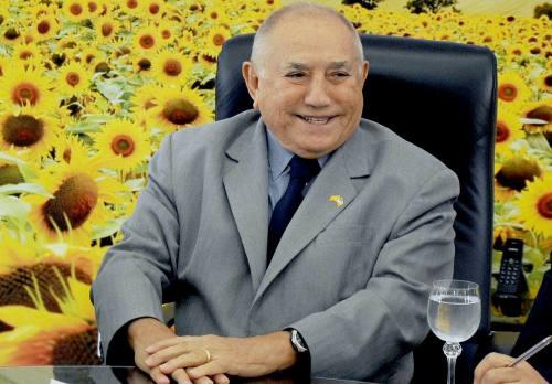 Resultado de imagem para imagens do ex-governador de Tocantins, Siqueira Campos
