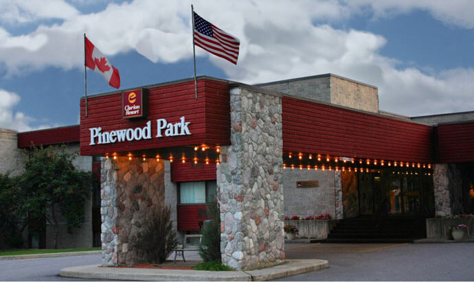 Clarion Resort Pinewood Park Entrance