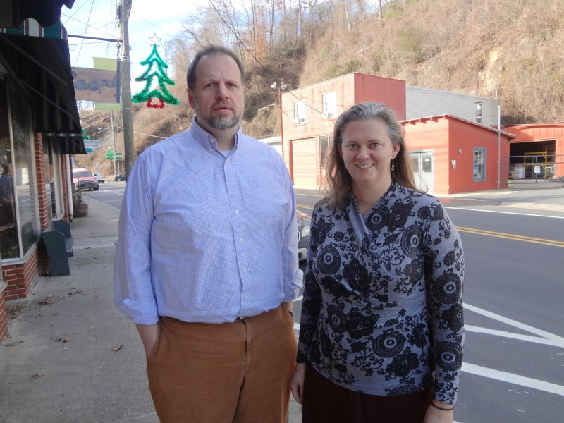 Steve North and Amanda Martin of the Center for Rural Health Innovation, which administers the Spruce Pine-based MY Health-e-Schools program.