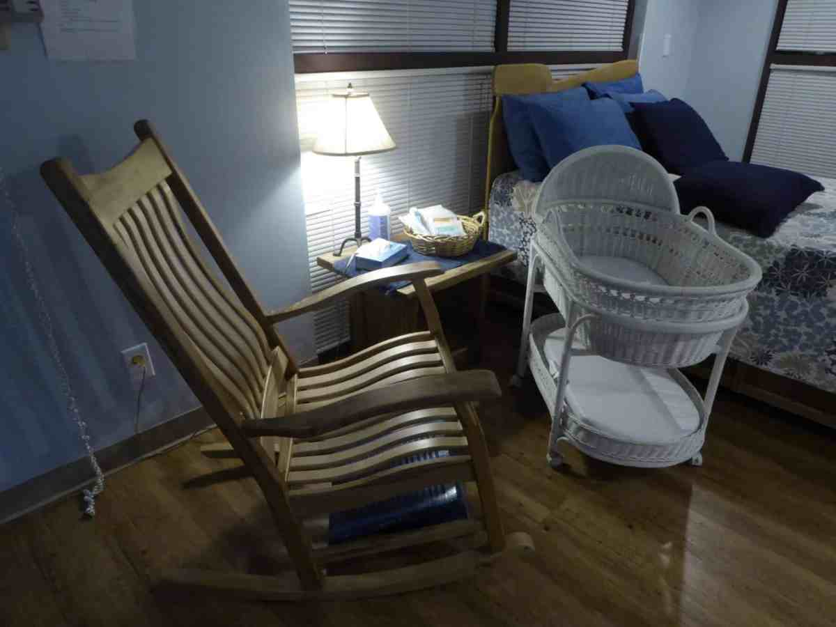 birthing room, bassinet, baby, infant, mortality, child, mother