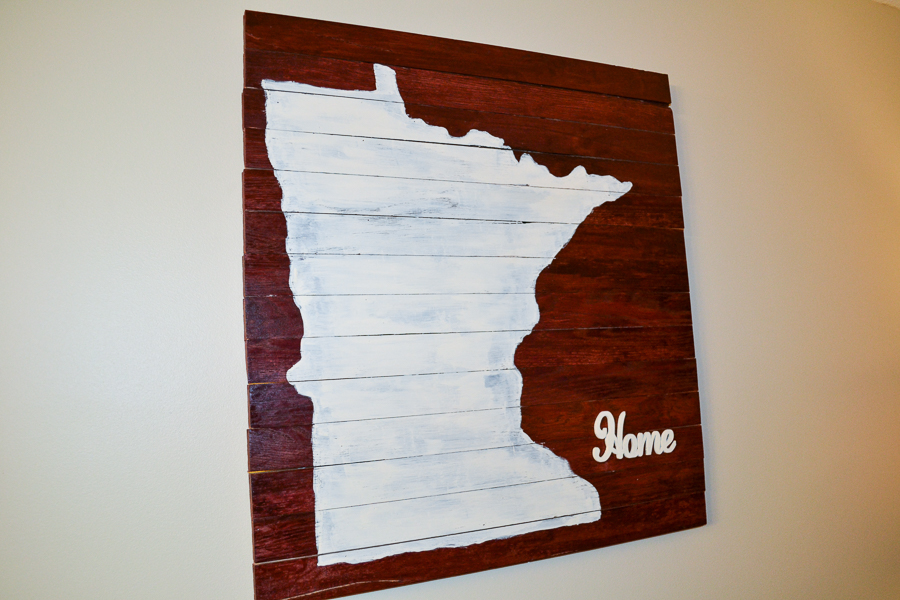 wood pallet sign with minnesota state decal