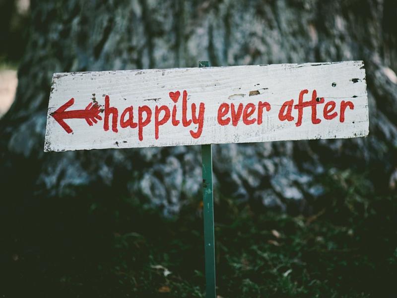 happily blog