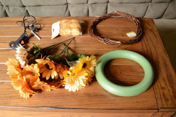 wreath_before-supplies