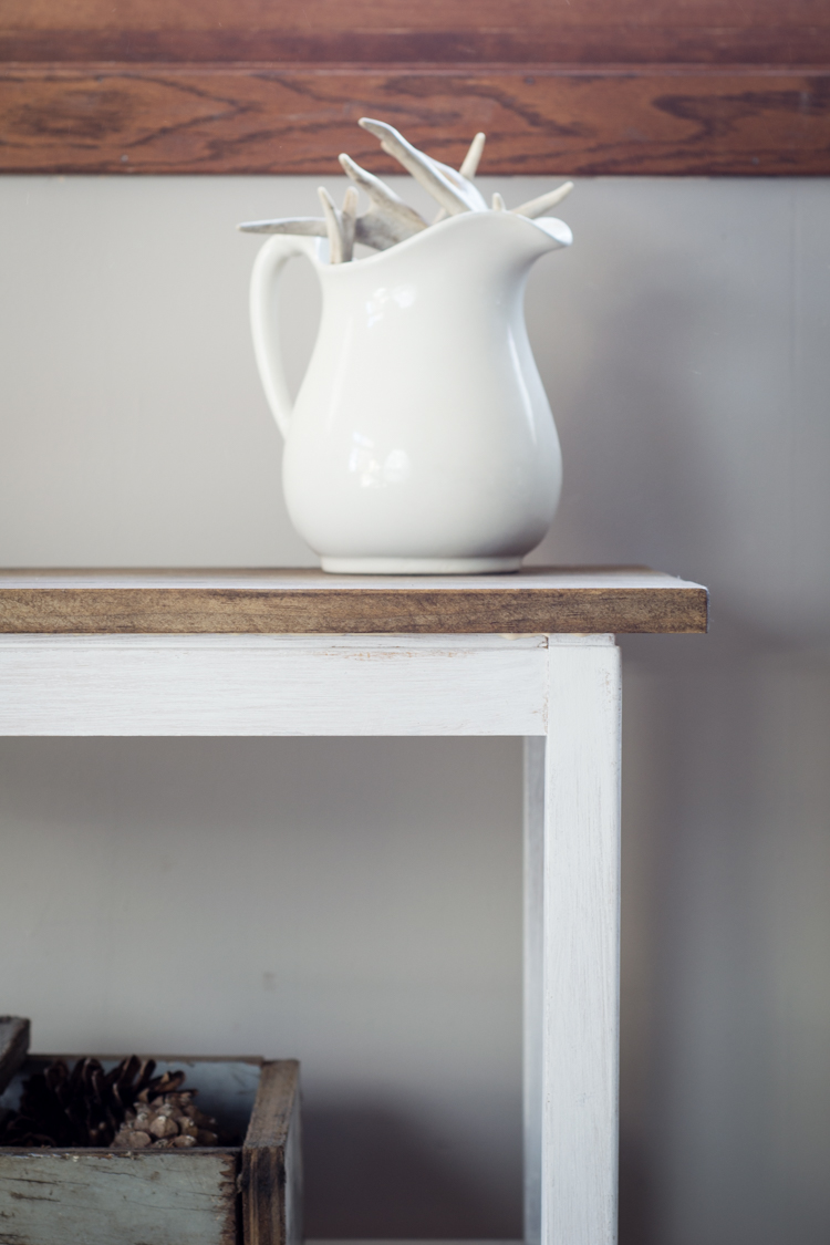 Farmhouse Style Thrift Store Table Makeover