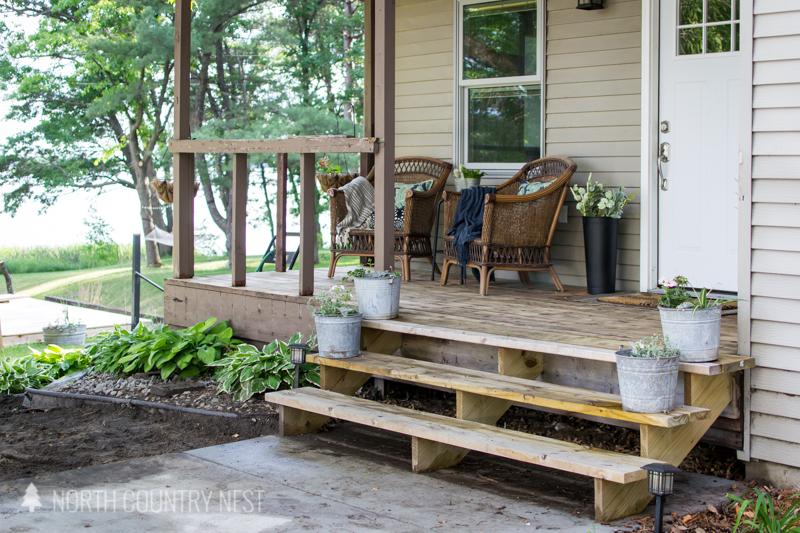 simple front porch decor
