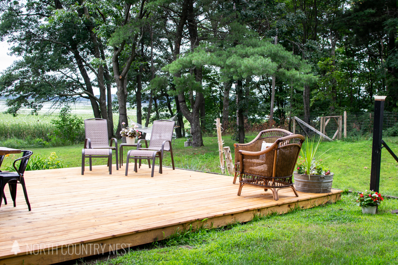 outdoor deck with seating