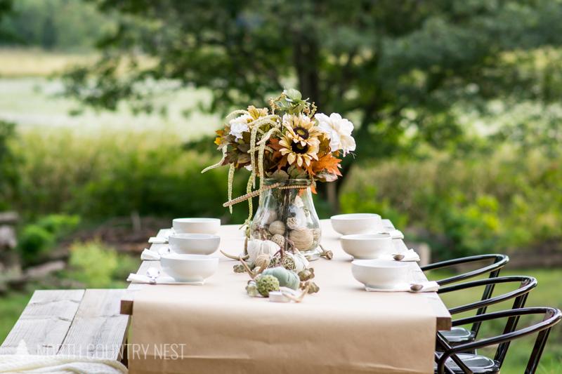 fall table decor outside