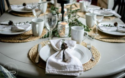 A Natural Holiday Tablescape + Blog Hop